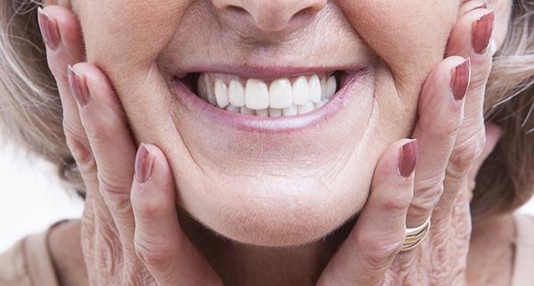 Pulire protesi dentaria e dentiera